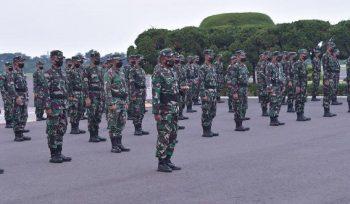 TNI mengirimkan 122 tenagta kesehatan untuk membantu percepatan vaksinasi di Kabupaten Tangerang, Banten. (foto:istimewa)