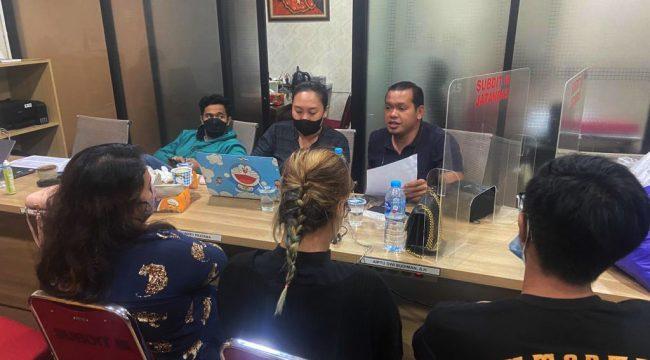 Polisi tetapkan dua orang dalam Kasus PT. SRD Pontianak, Polda Kalbar. Diketahui kantor Pinjol ini melayani 14 perusahaan Pinjol yang tak terdaftar di OJk. (foto istimewa)